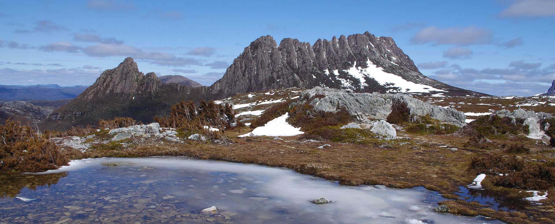 Image of cradle mountain in Tasmania