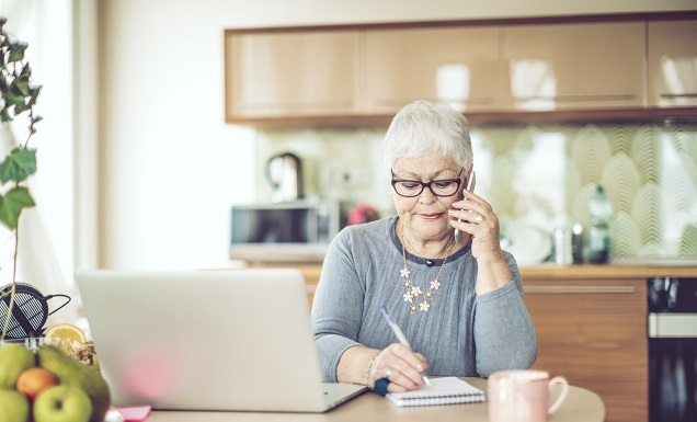 woman advising caller about options